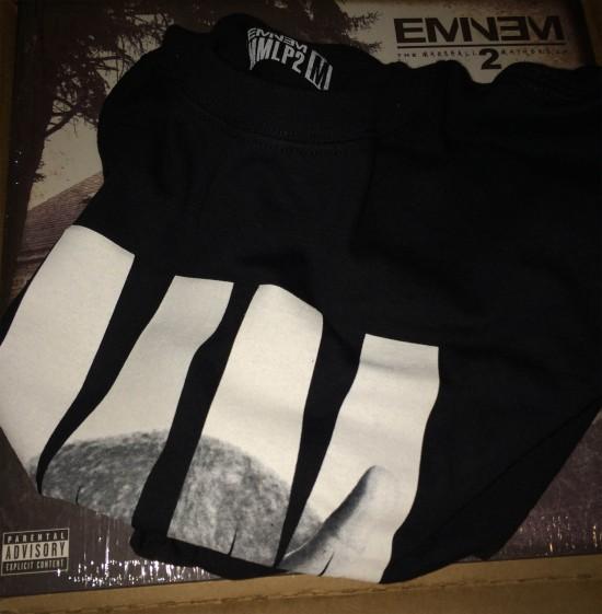 01-Eminem-Pre-Order-The-Marshall-Mathers-LP2-Vinyl---Limited-Edition-T-Shirt-550x561[1]