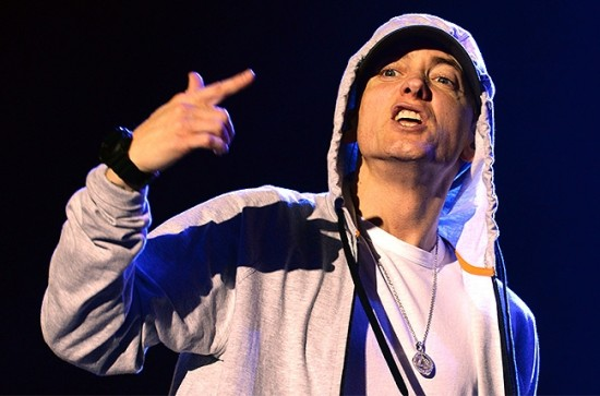 eminem-performs-in-france-650-430[1]