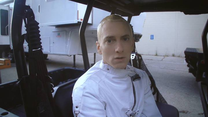 """2014.04.04 - Eminem And Rihanna's """"The Monster"""" Behind The Scenes Video"""