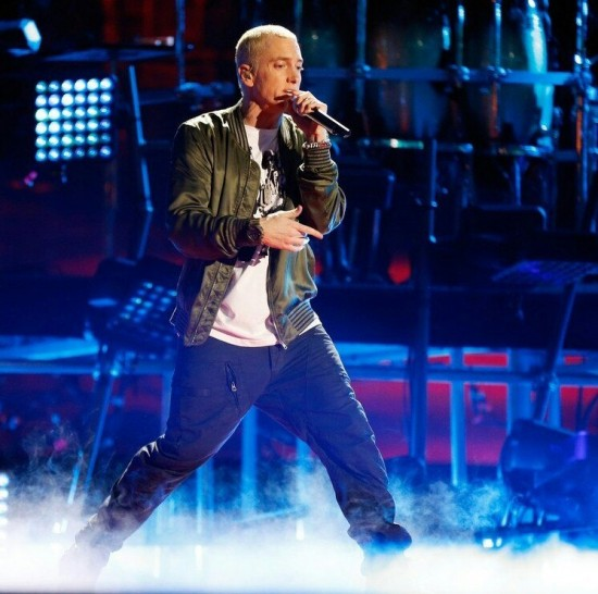 Eminem and Rihanna perform The Monster on stage during the 2014 MTV Movie Awards in Los Angeles