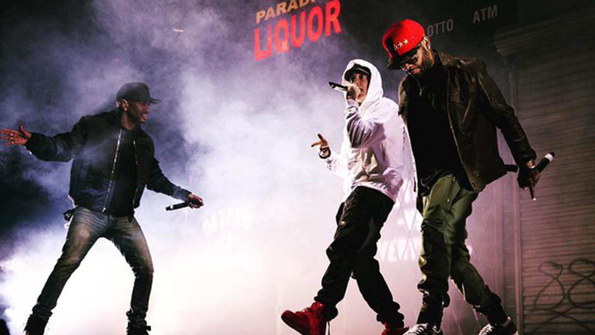 2015.11.06 - Eminem Big Sean Royce at Joe Louis Areba 7