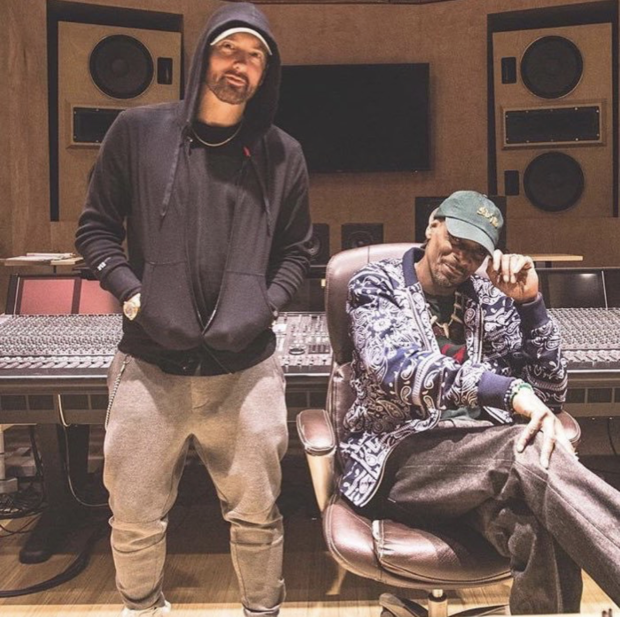 Eminem and Snoop Dogg are working on a new collaboration