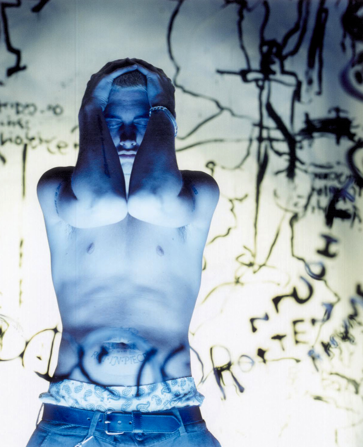 Eminem's picture that had never been published before for «The Slim Shady LP» cover. ???? Photo by Danny Hastings / 1998