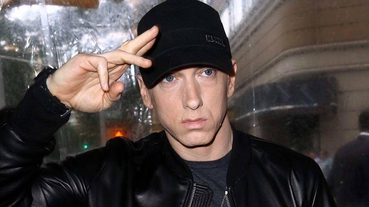 Check out a live diagram: Eminem leads the list of Best-Selling Rappers in the US since 1987